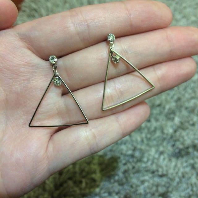 銀色三角鑽耳環👂🏻