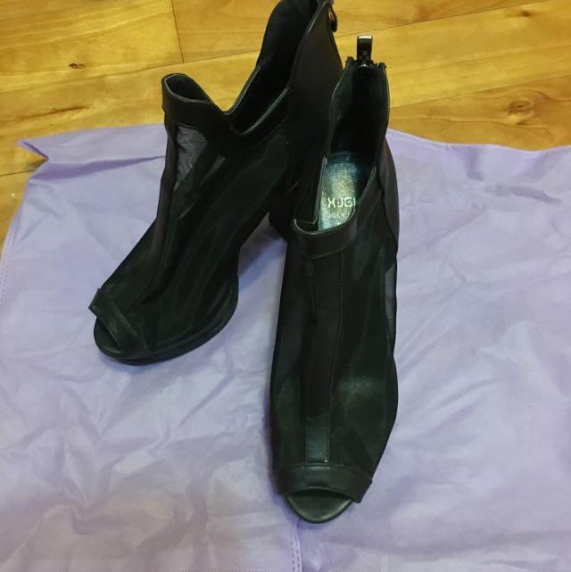 黑色網紗粗根高根鞋