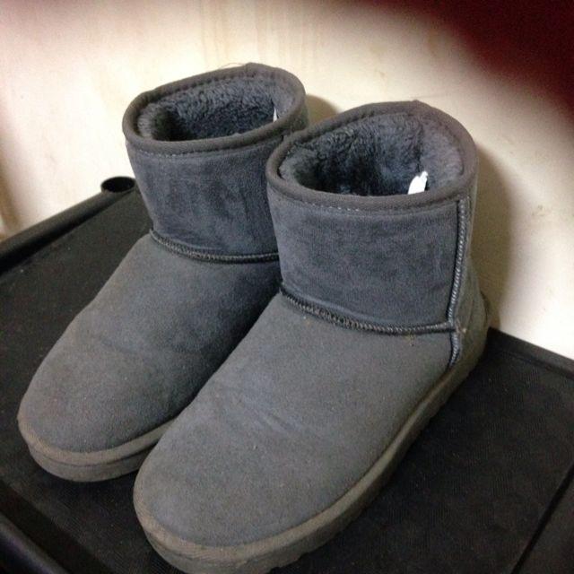 灰色 短筒雪靴 37-38號 非ugg.ollie