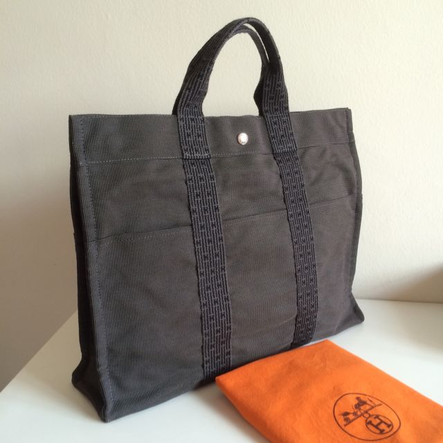 Fast Deal  280) Authentic Hermes Canvas Her Line MM Tote Bag f4b3418957053