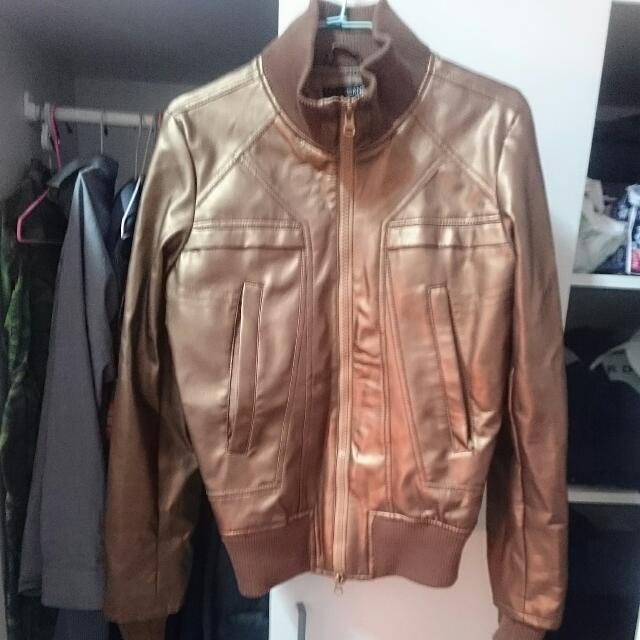 B-JEANS金色皮衣