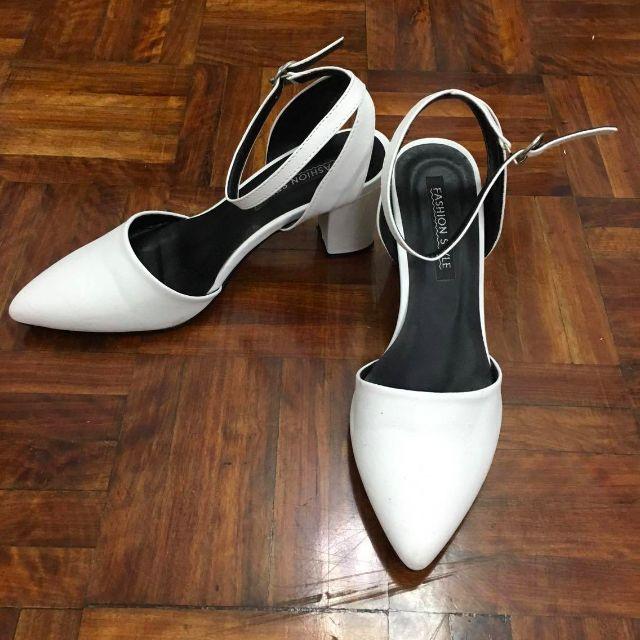OL白色皮質繞頸時尚舒適跟鞋涼鞋 9成新 (23)