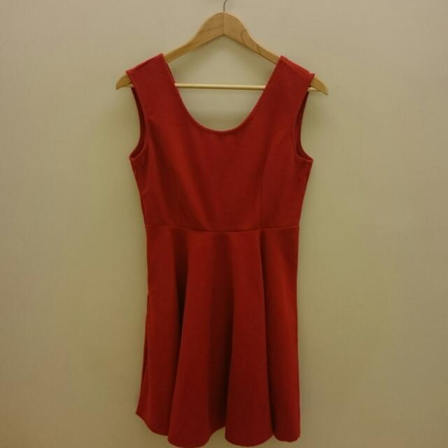 【保留】大紅後背深V洋裝 連身裙