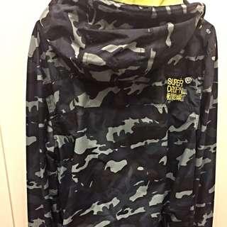Super Dry 極度乾燥風衣 黃金S號 藍迷彩