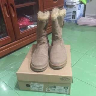 Vans雪靴