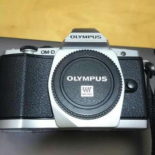 Reserved Mint Olympus OMD EM5 Mark 1 ( Silver Body Only )