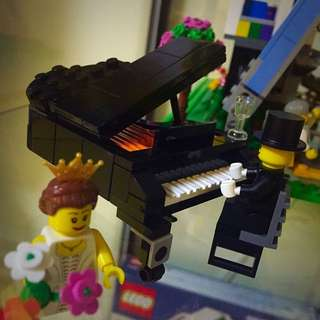 MOC - Lego Let's Play Piano
