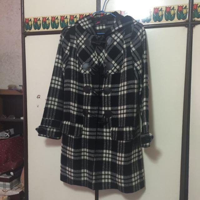 牛角扣格紋大衣外套