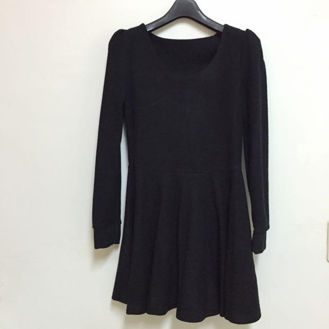 黑色全素修身顯瘦洋裝