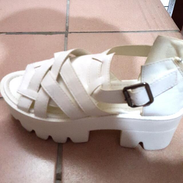 粗跟 厚底 鞋 白色