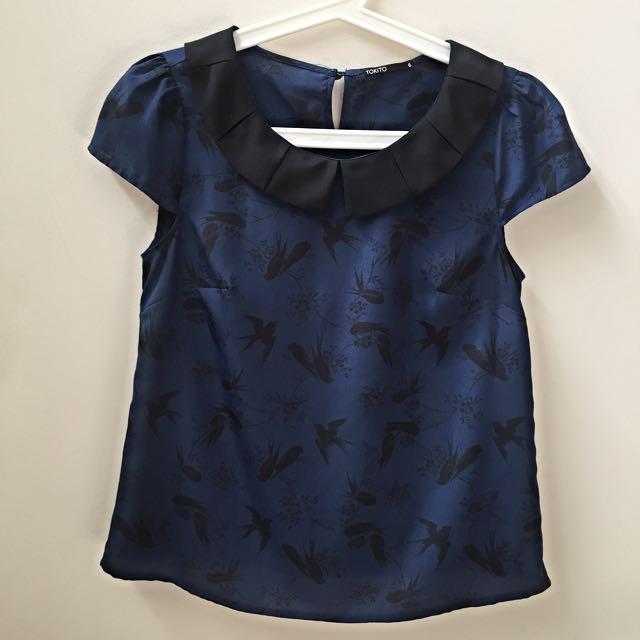 AU6-8 TOKITO Navy Blouse With Bird Print And Black Peter Pan Collar