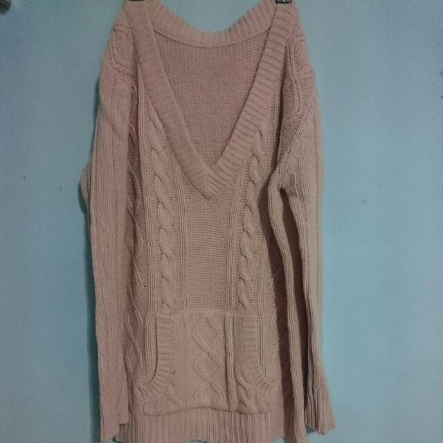 淺粉色大V領前口袋長毛衣洋裝