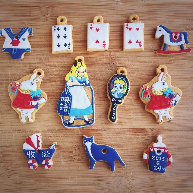 Vivi's Savory Sweets 愛麗絲夢遊仙境 客製化糖霜餅乾 (訂做生日禮物、收涎餅乾、婚禮小物)