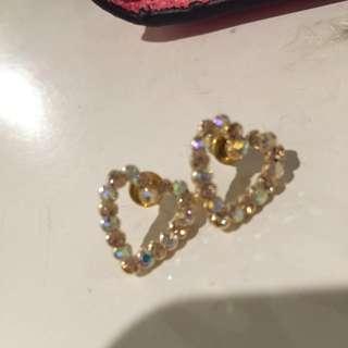 愛心鑲鑽耳環