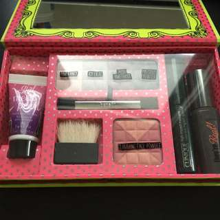 Benefit Life Of The Party Makeup Kit
