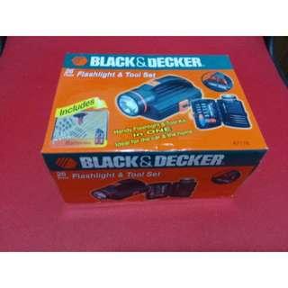 Black & Decker A7116 26 Piece Flashlight & Tool Set