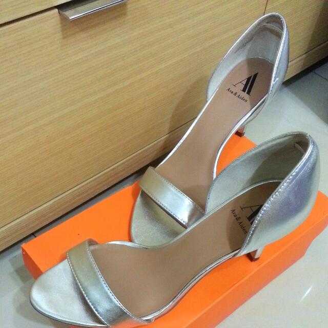 Ava Aiden 美國設計師品牌 時尚銀 短跟 跟鞋 涼鞋