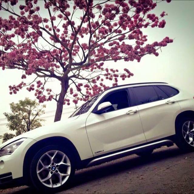 BMW X1 18I 白色