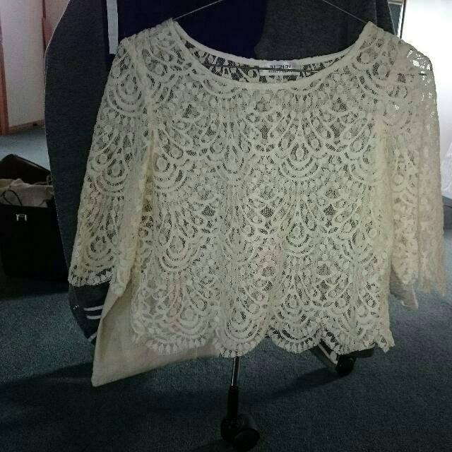 Cropped Lace Cream Top