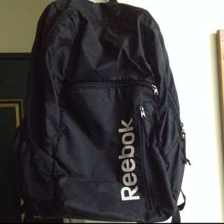 收購 此款Reebok後背包