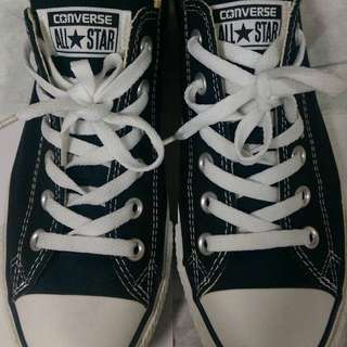 All Star 低筒帆布鞋 只穿過ㄧ次(男鞋)