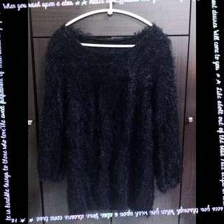 👗柔軟毛海黑色長袖上衣