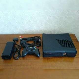 BEST XBOX360 320HDD BUNDLE