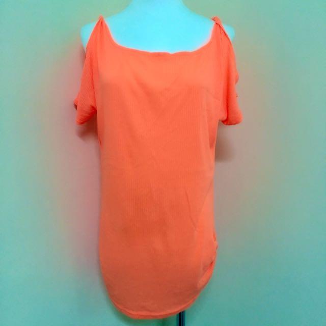 螢光🍊橘露肩長版上衣