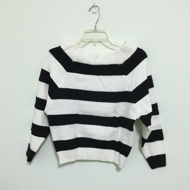 平領寬橫條針織毛衣