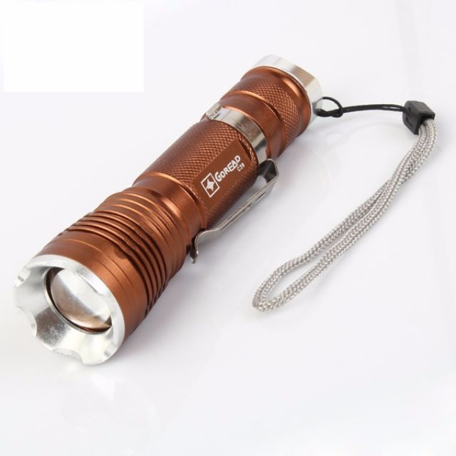 可夾式便攜型 CREE T6 LED 五段調焦強光手電筒