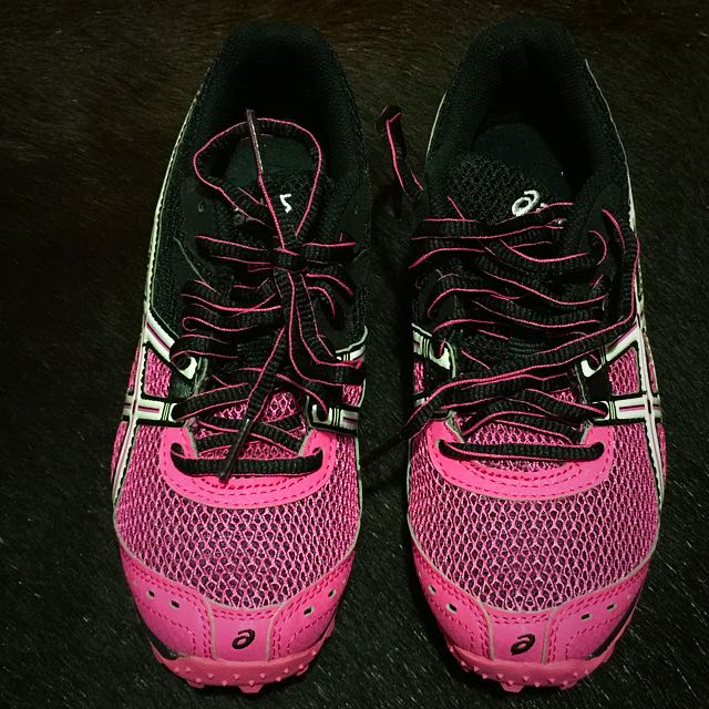 NEW Asics Runners Size 6 US
