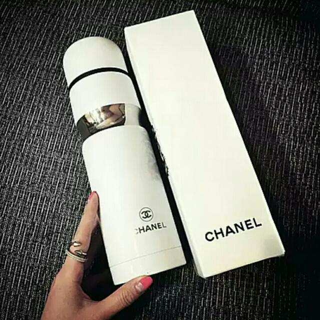 Chanel insp. Flask/tumbler
