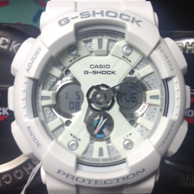 G-Shock GA-120 雪白蜘蛛