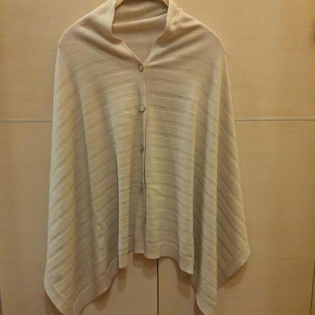 日牌GU 二用圍巾 / 披巾