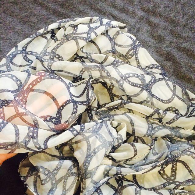 Zara絲巾