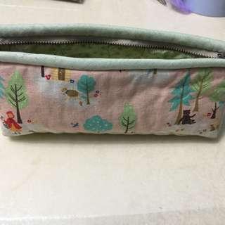 布鉛筆盒(大)或化妝包