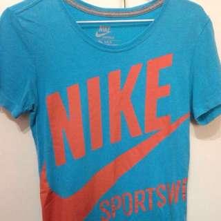 Nike 短袖 T Shirt 只穿過一次 女 S號