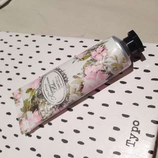 🌸Frangipani & Lime Scented Hand Cream (Bras&Things)