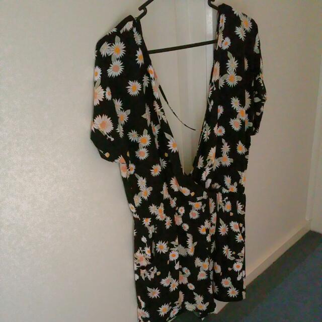 2x Jumpsuit 1x Dress