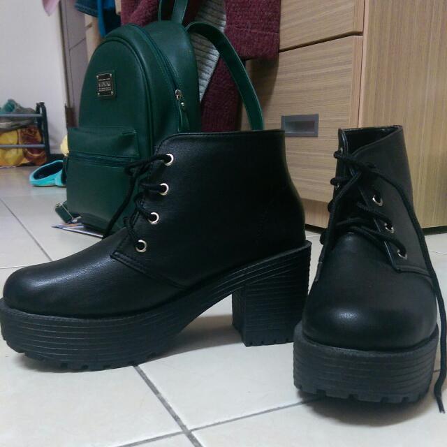 (二手)黑色粗跟/中低跟/高跟後底靴