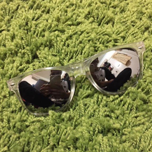 透明框銀反光墨鏡