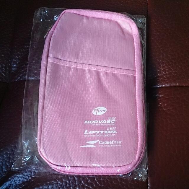 粉紅 多夾層 旅行用 收納包 護照包