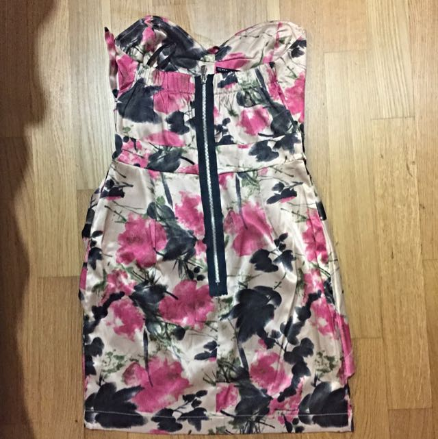 e54c180aab TFNC London Branded Heart-shaped Tube Top Dress In Floral Print ...
