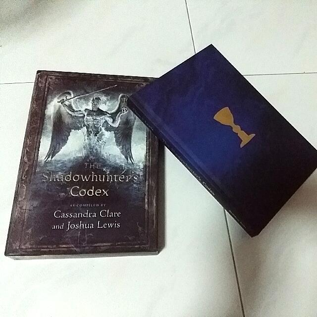 The Shadowhunter's Codex (Deluxe Hard Copy Edition), Books