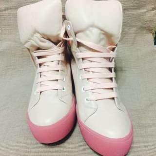 25號真皮!!粉紅色羊皮球鞋!!