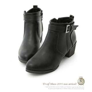 保留 ▶ D+af 人氣個性✨簡約及踝粗跟短靴