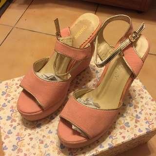 專櫃全新粉色楔型鞋