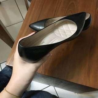 黑色低跟鞋✨幾乎全新