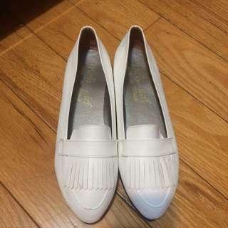 流蘇 尖頭 小白鞋 休閒鞋