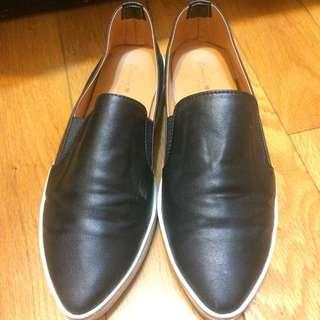 黑色 尖頭 百搭 休閒鞋